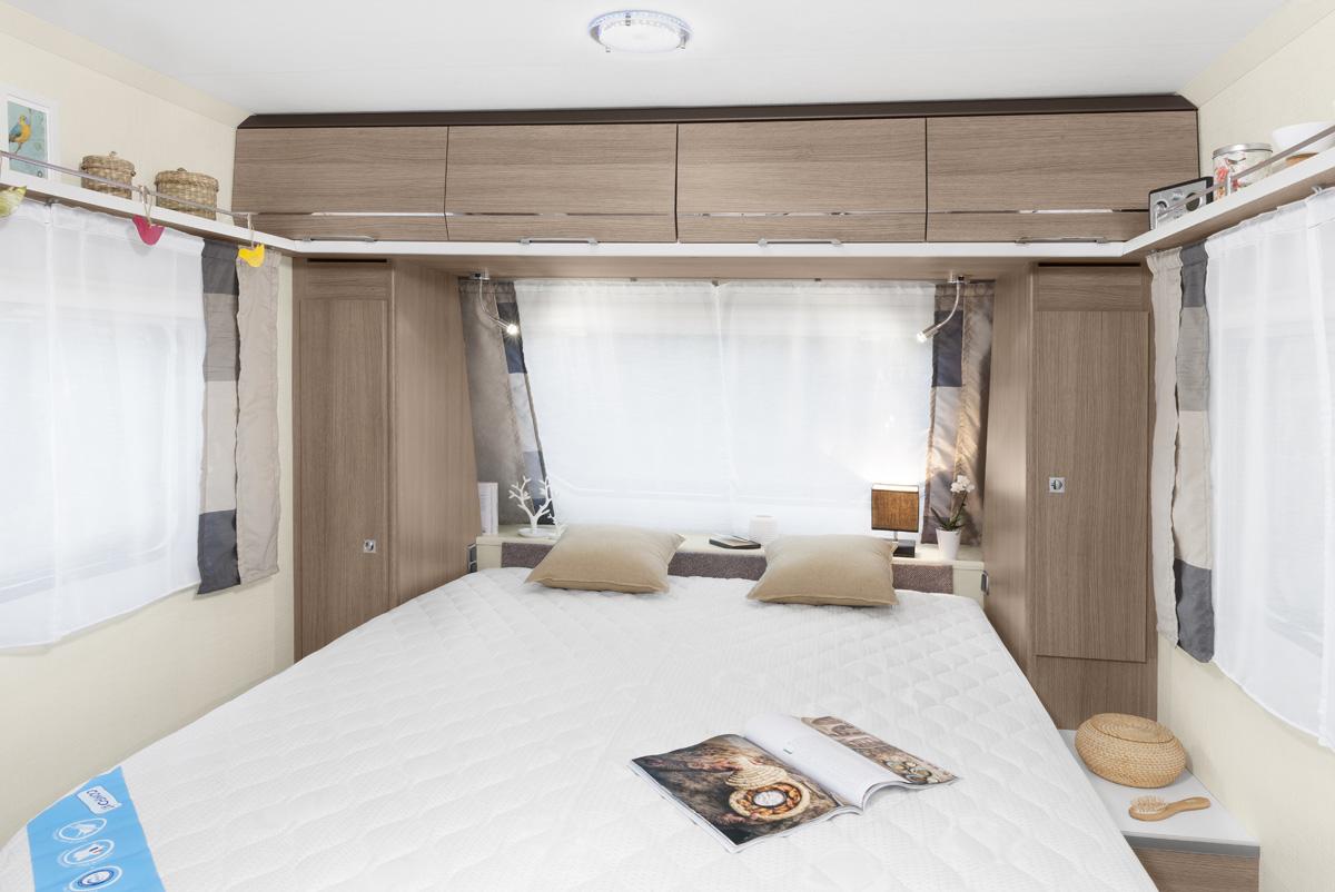 Caravane allegra caravelair fabricant de caravanes for Caravane chambre 19 meubles