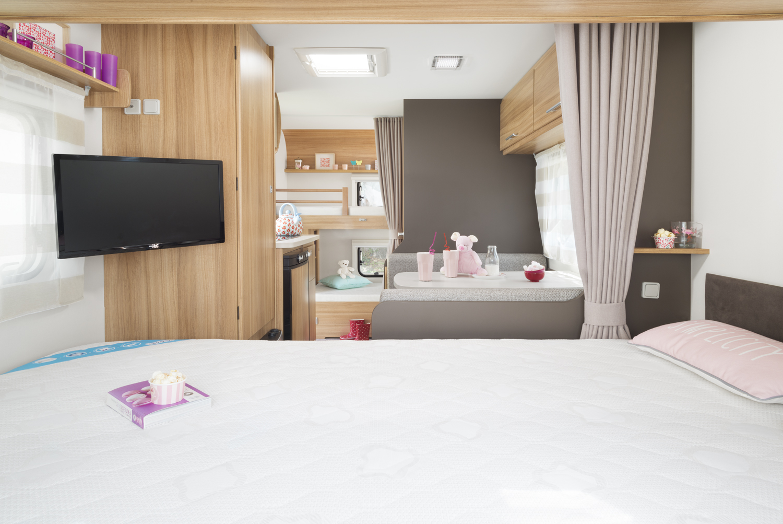 chambre de la caravana antares de caravelair